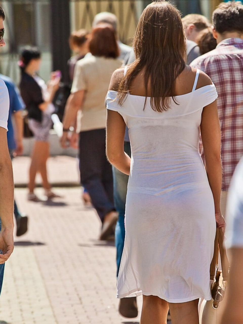 Girls Peeing Pants Public