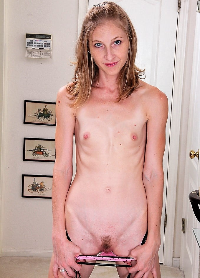 Tiny flat chested milf — photo 6