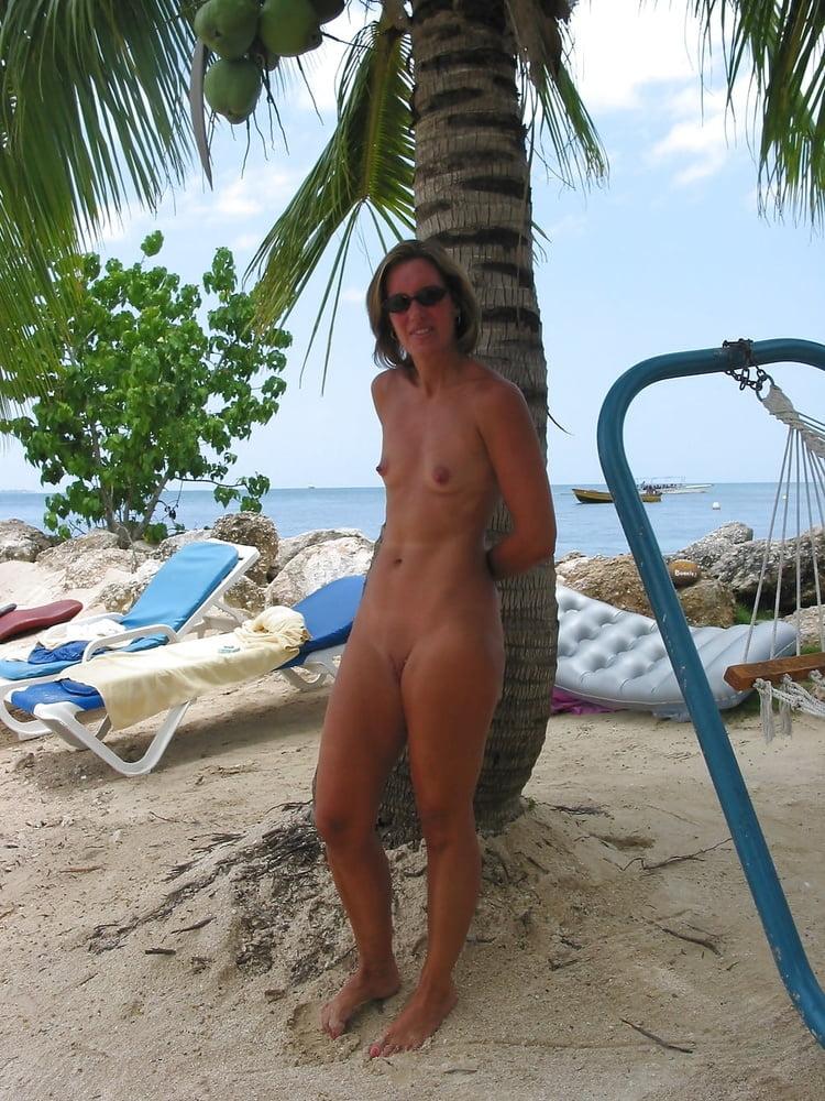 Bikini Nude Resorts Park HD