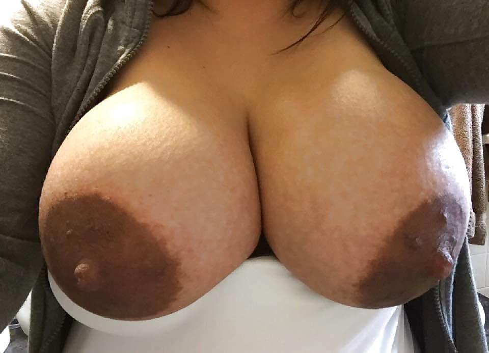 Подборка спермы порно фото большие коричневые соски