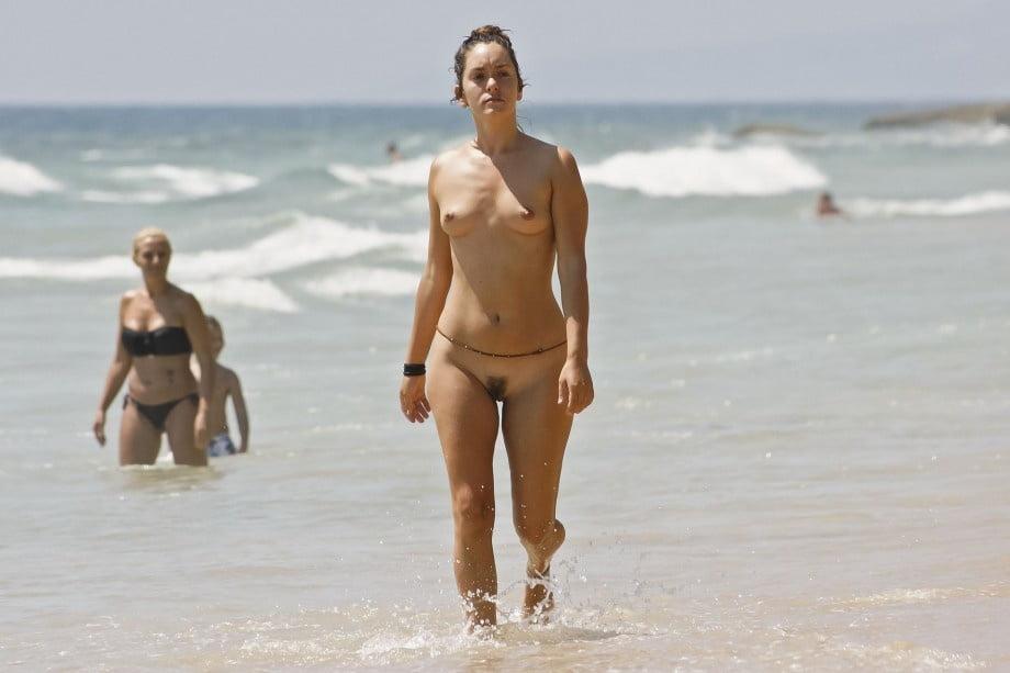 waist-chain-women-nude