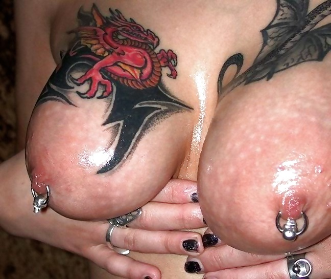 Girls with tattoos and pussy tit pics