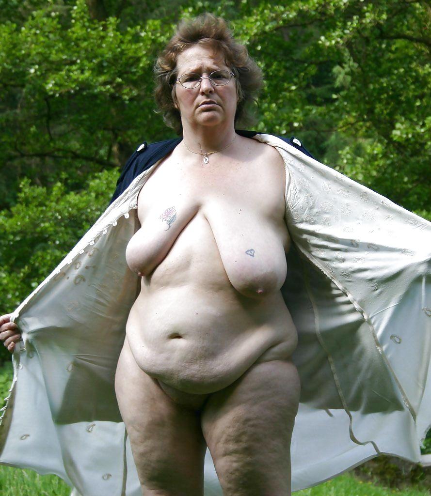 tolstie-golie-na-dache-porno-video-seks-s-podruzhkoy