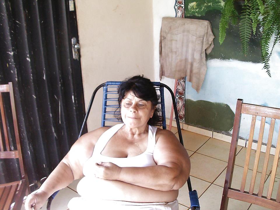Atriz brasileira seduz homem casado - 1 part 7