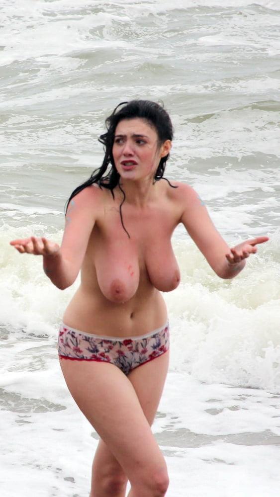 bouncy amateur tits