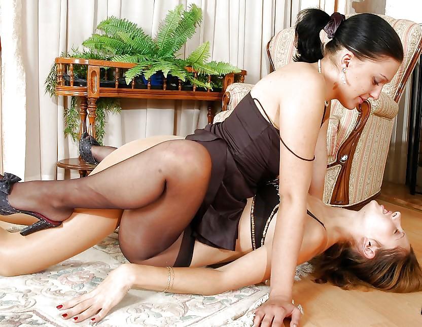 Watch Lesbian Pantyhose Hump