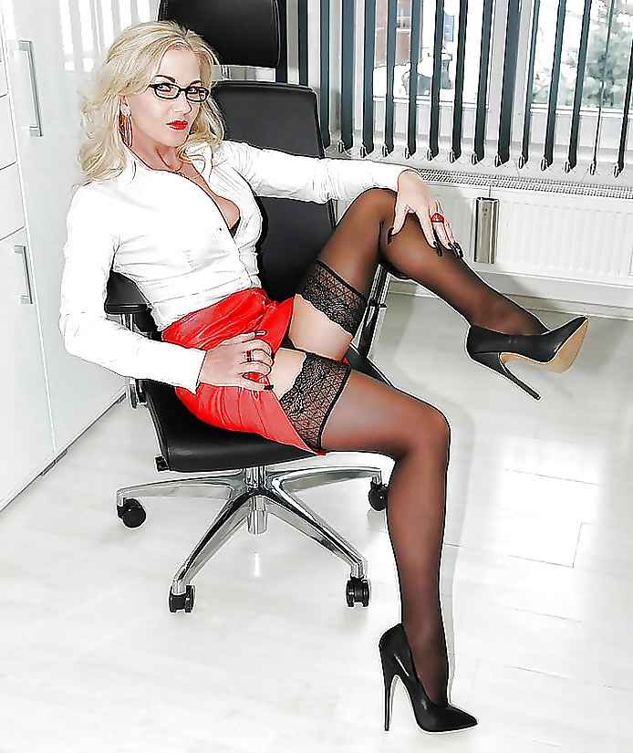 hot-milf-secretary-pictures-hairy-men