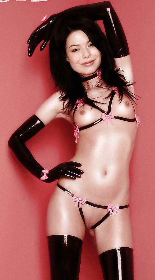 Attractive Sexy Naked Miranda Cosgrove HD