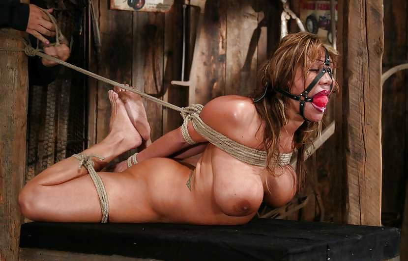 Sexgirl bondage, man and women naked boobs