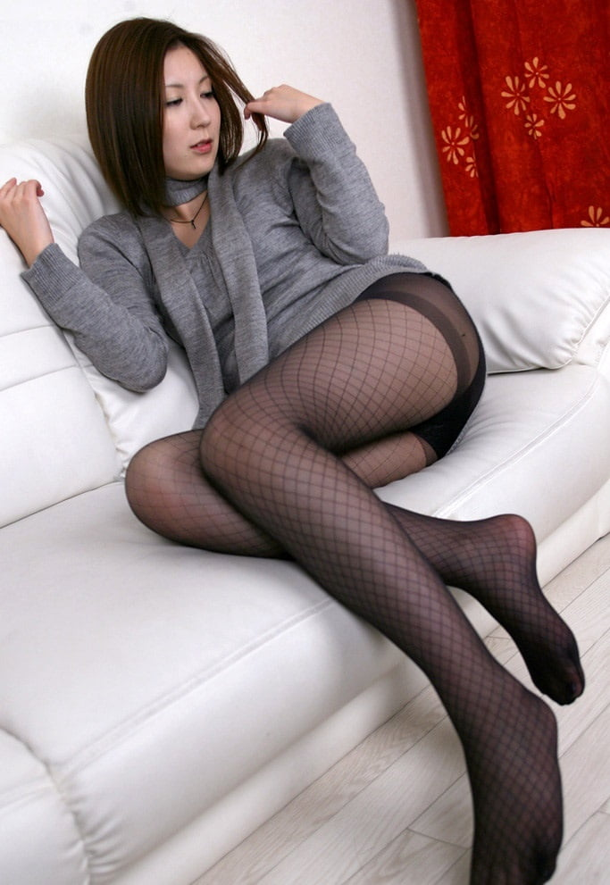japan-women-in-pantyhoses-sisters-sucking-brothers-cock