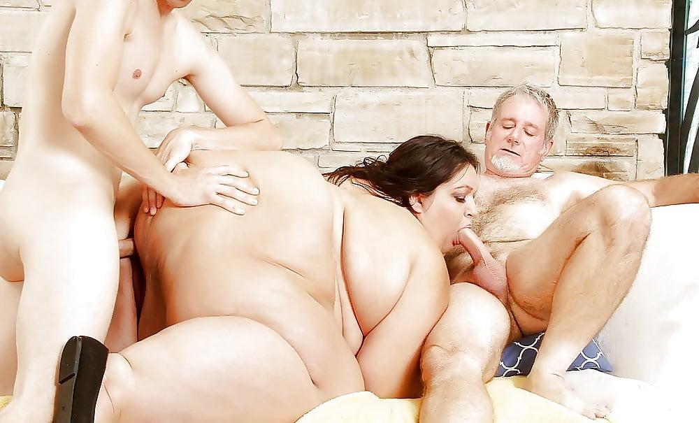 фото группового порно толстушек источники предпочитают