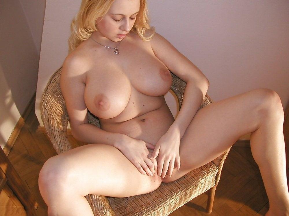 Amazing Babes 176 - 98 Pics