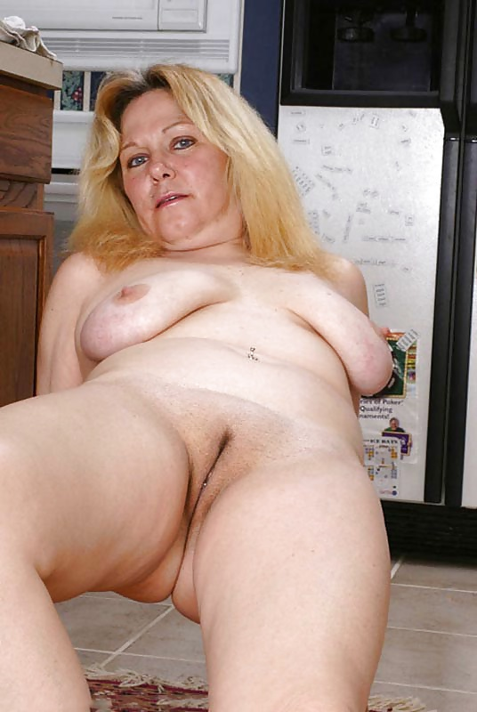 Mature Women Pictures, XXX Mature Pics, Free Moms Photos