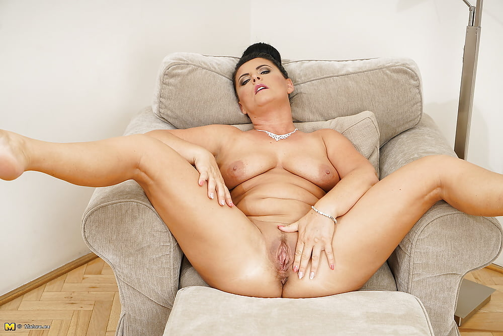 fbb-european-horny-mature-pussy-girl-crying-crista