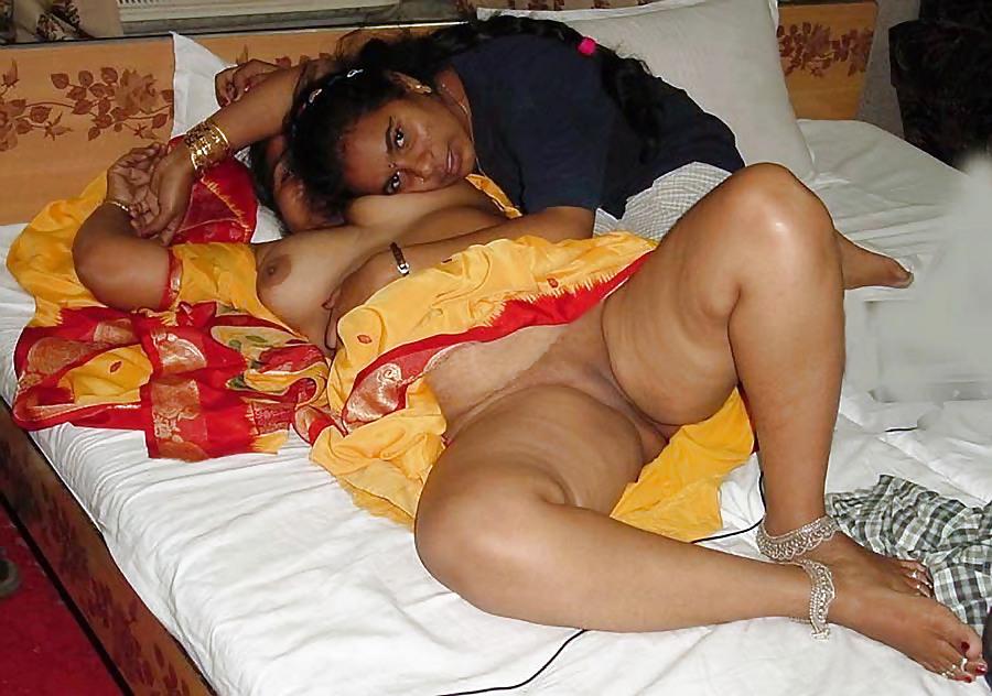 Nude hot aunty sex