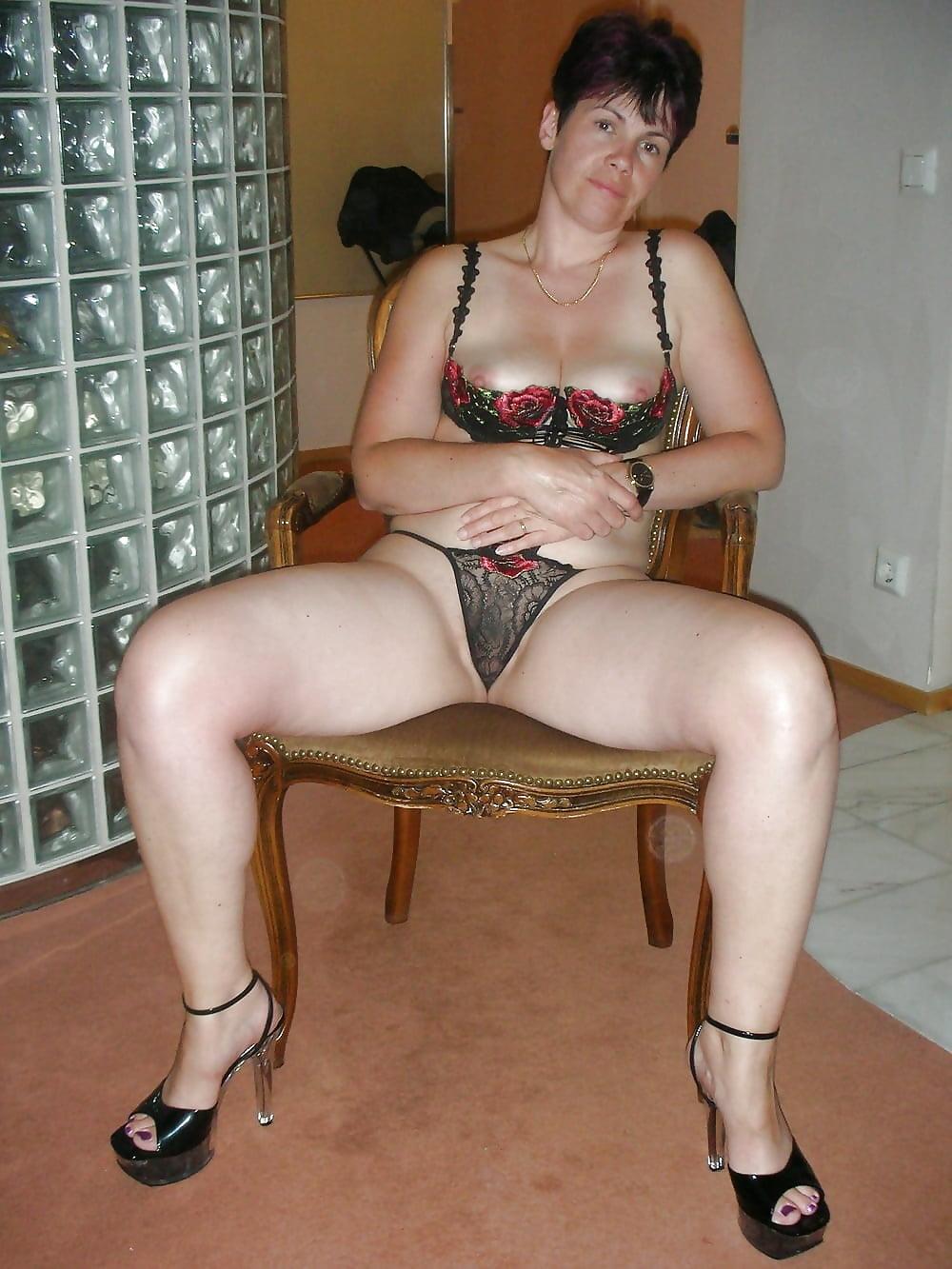 Horny amateur mature latina dirty pics at work