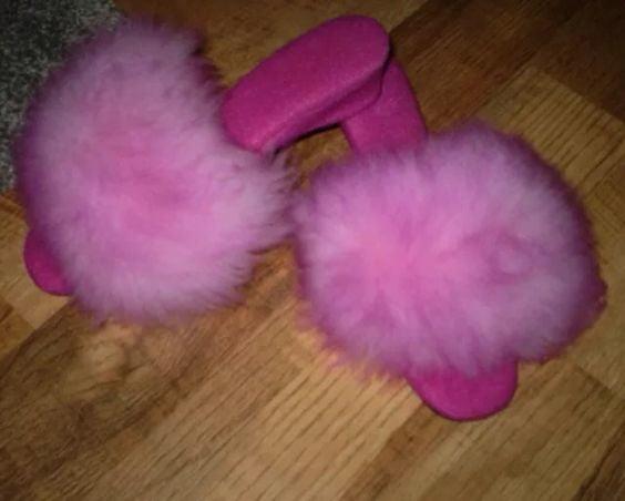 Fluffy mules 2 - 40 Pics