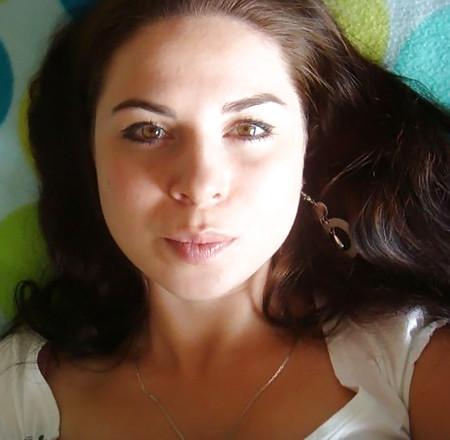 Hot Brunette Face to Cum Tribute