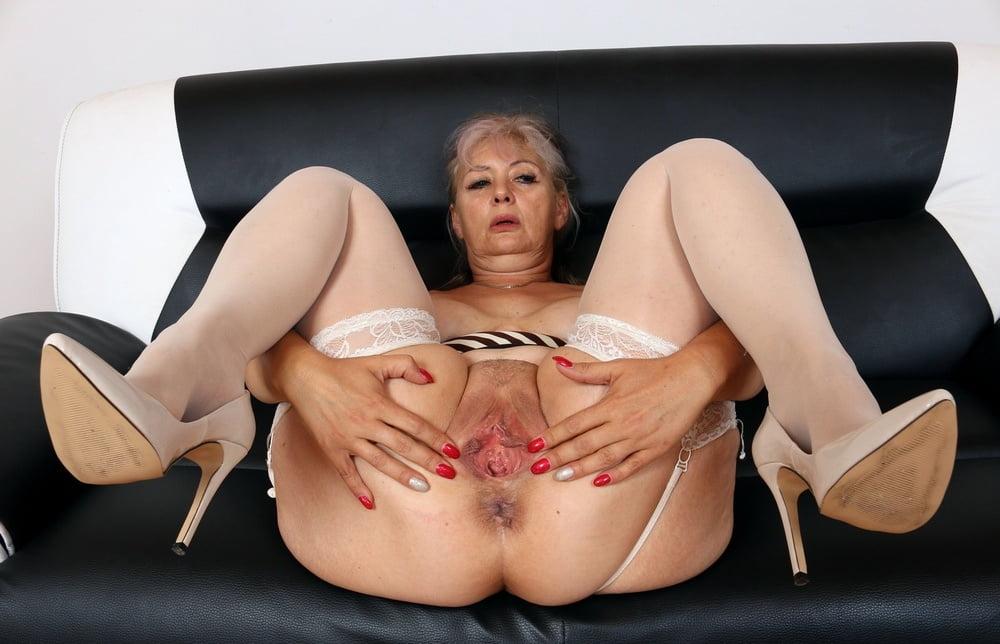 Tiny pussy mature senior pussy sex caught
