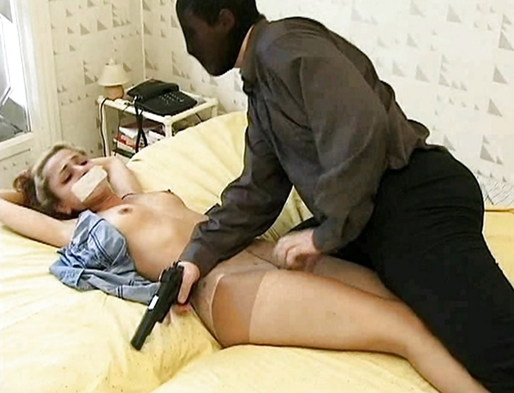 girls-held-at-gunpoint-xxx