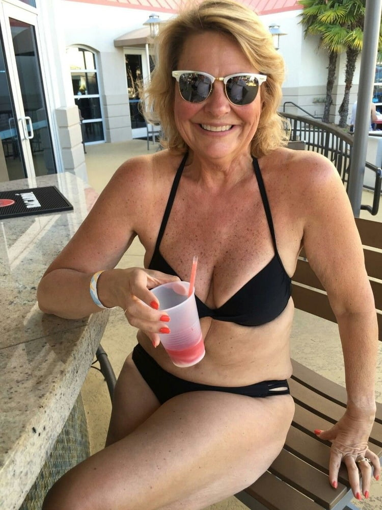 Dating nude older women, naked coeds videos