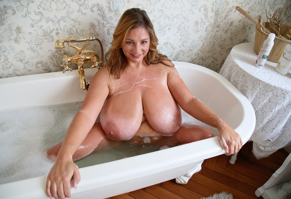 Nadine Jansen Bath 2018 Photos 2018 Boobs20182019nadine Jansen2019photos 2018 Boobs EmpFlix 1