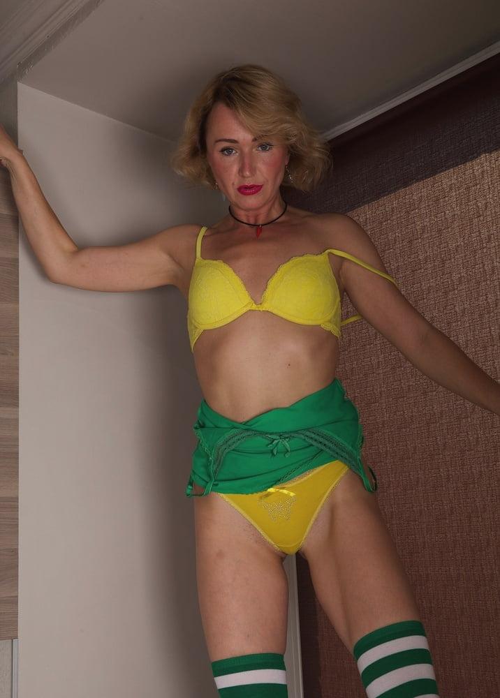 42yo Russian lustful mommy Aleksa 10.08.2020 - Kitchen Play - 169 Pics