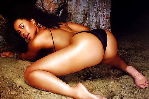 Model Deelishis Naked