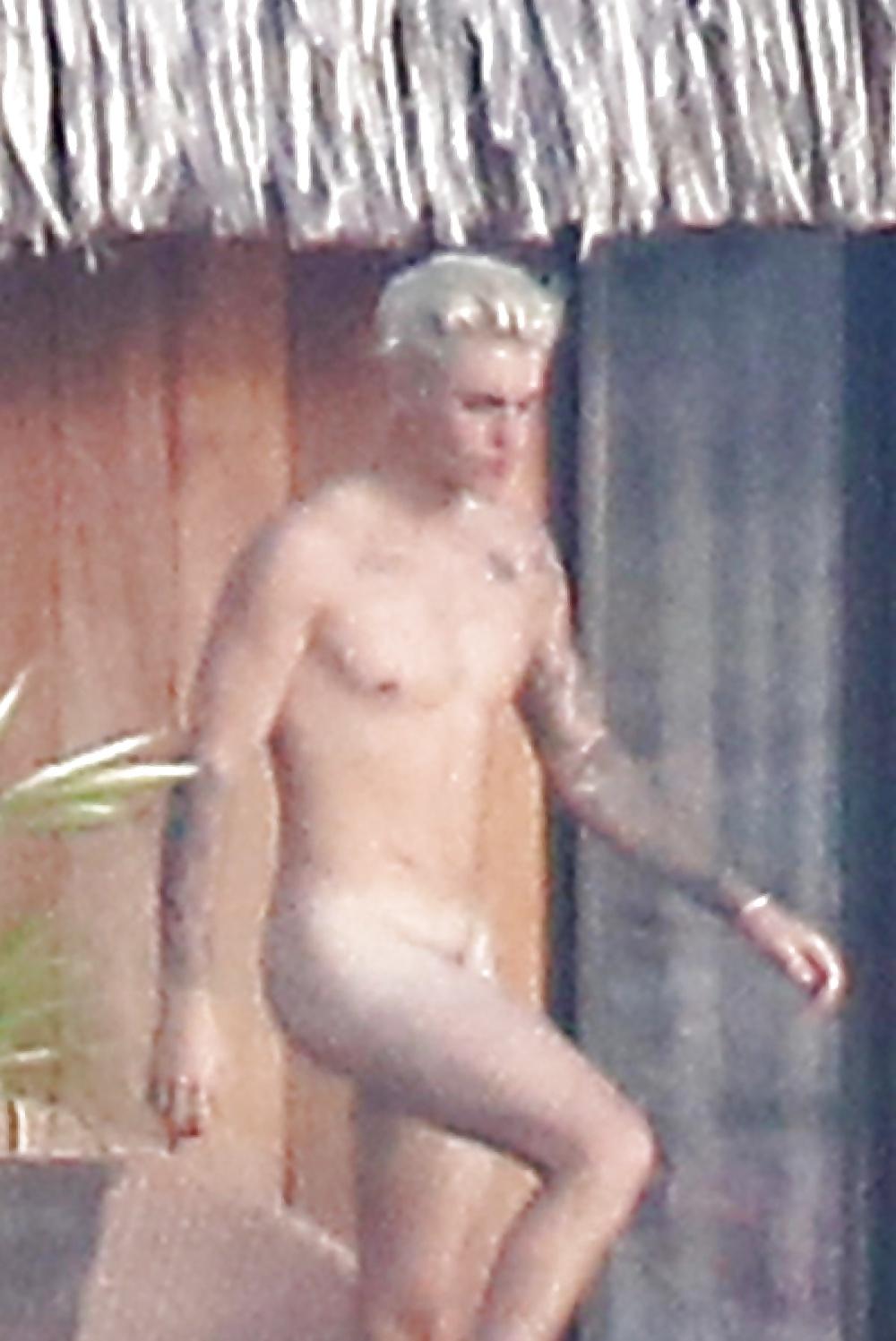 Justin bieber naked beach-4678