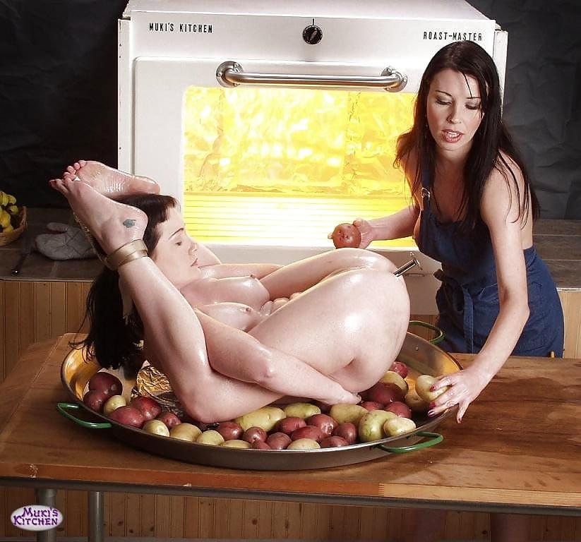 zharila-yaichnitsu-porno