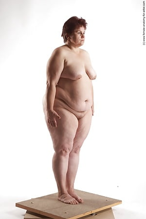 chubby babes standing naked