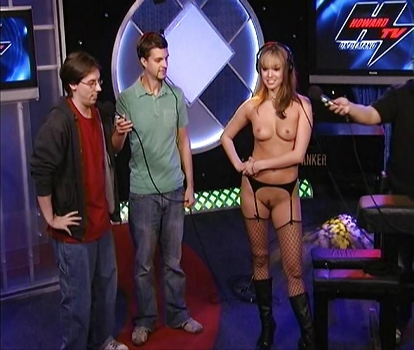 Whitney Cummings Howard Stern Show Howard Stern Show Celebrity Beautiful Babe Posing Hot Upskirt