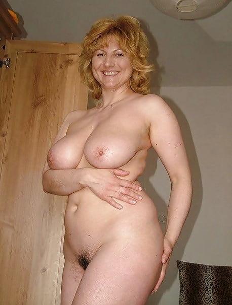 Hocd blonde grosse poitrine prise en double penetration - 1 7