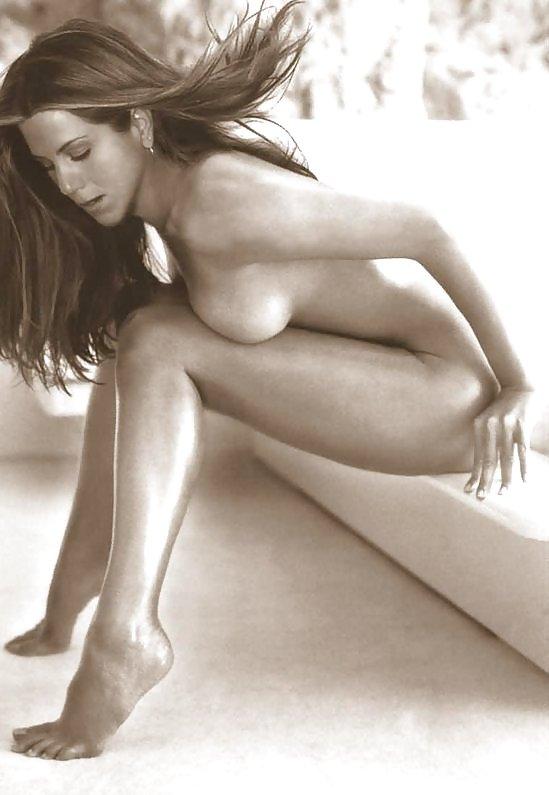 jennifer-aniston-playboy-round-boob-models