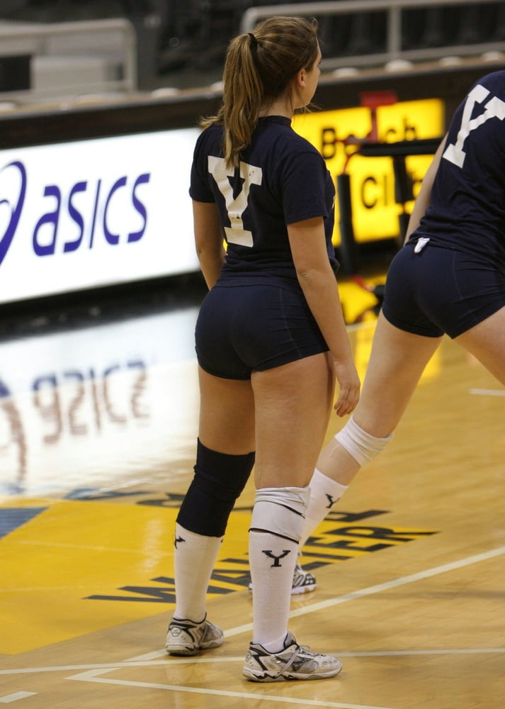 Volleyball player has sex with bald partner