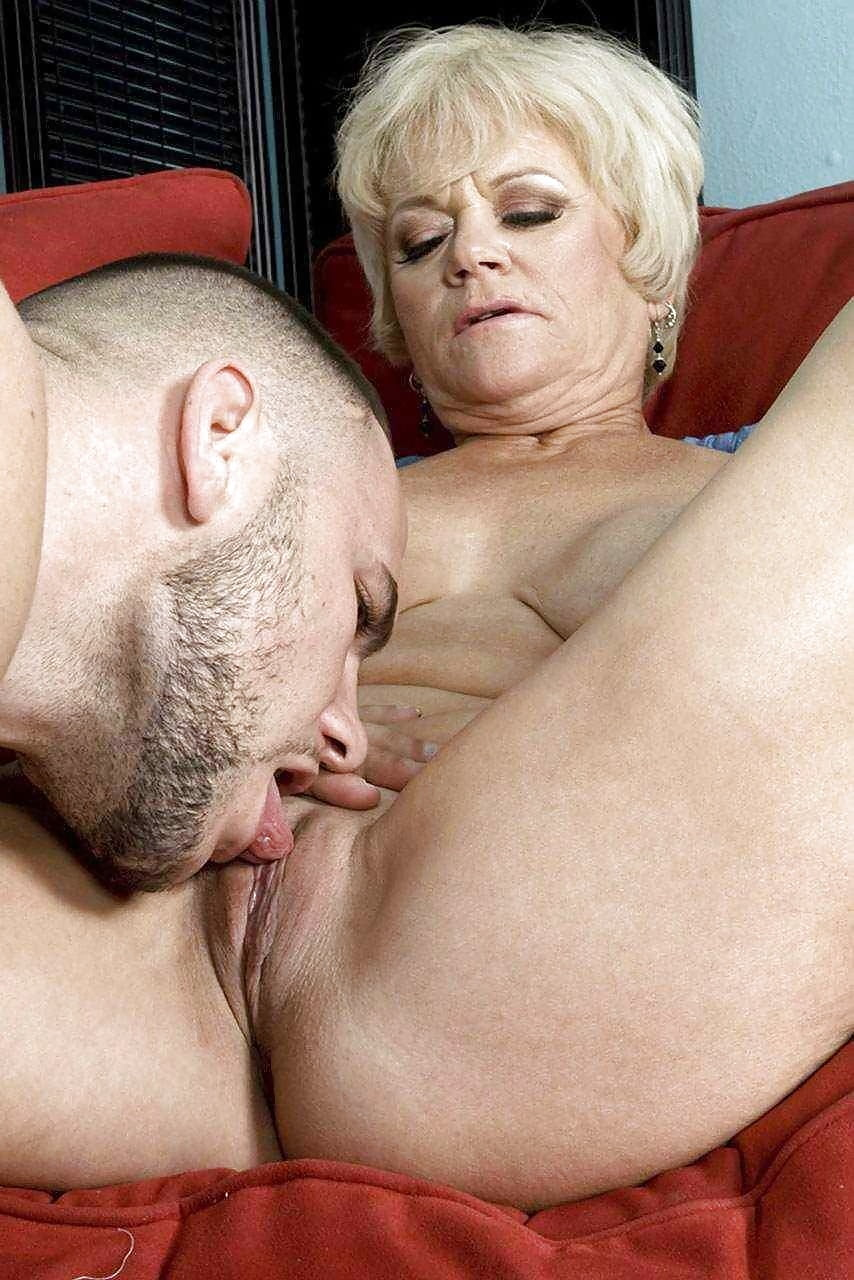 Granny lick girl — photo 2