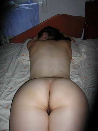 Young amateur masturbating