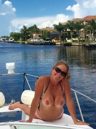 Women & Boats 6