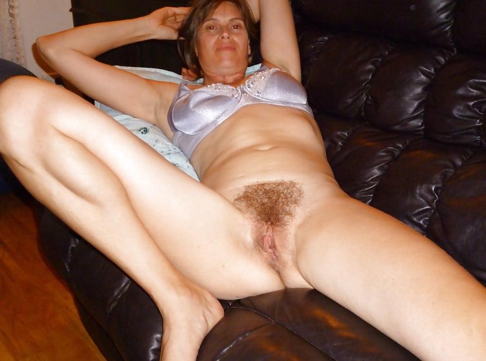 фото волосатый лобок мамочки жены зрелые