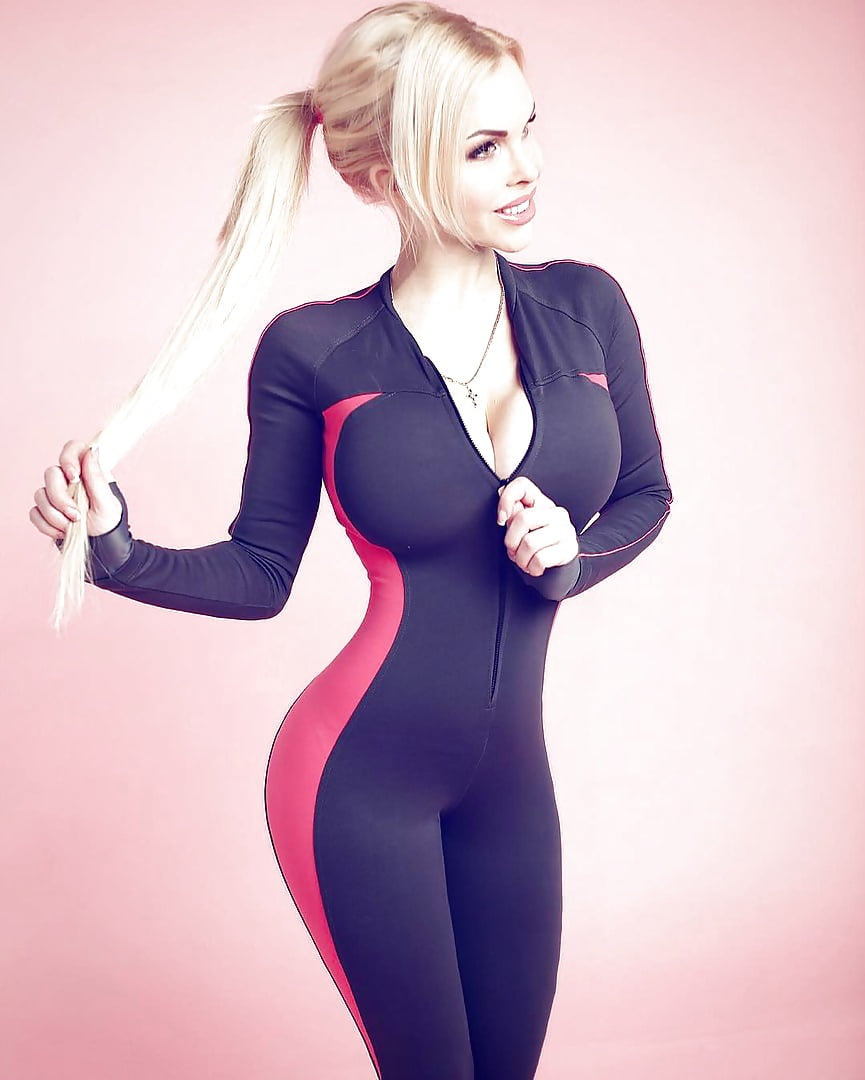 sexy-outfits-for-blonde-girls