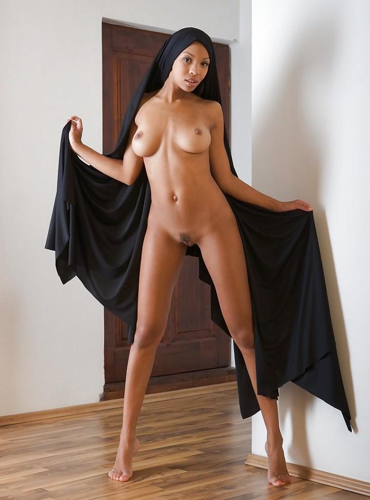 Middle Eastern Women Nude Big Boobs