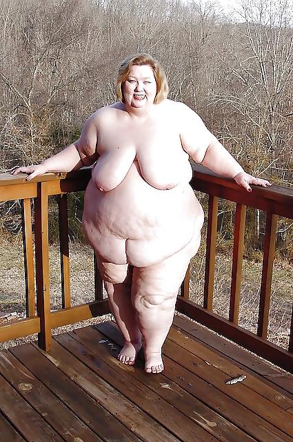 Ssbbw manda fucks her fat pussy - 1 part 3