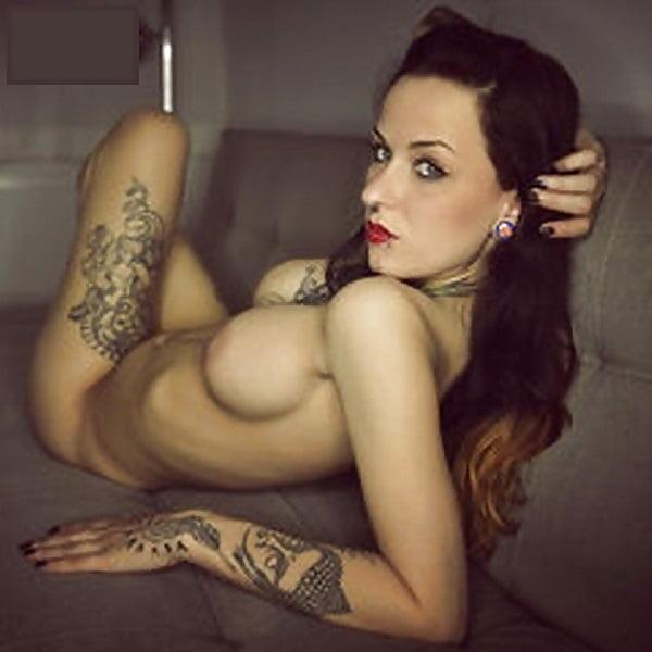 Nacht berlin tag karo nackt und Wie Heißt