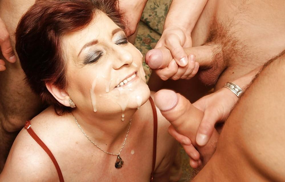 порно зрелых женщин золотой дождь пропускают