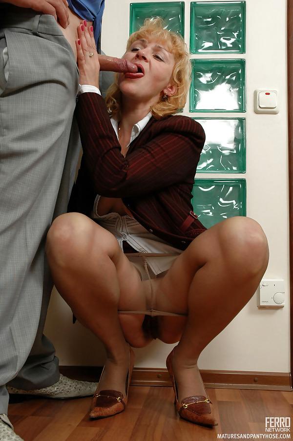 Частное фото бизнес порно фото леди, встретились в сауне с парой фото