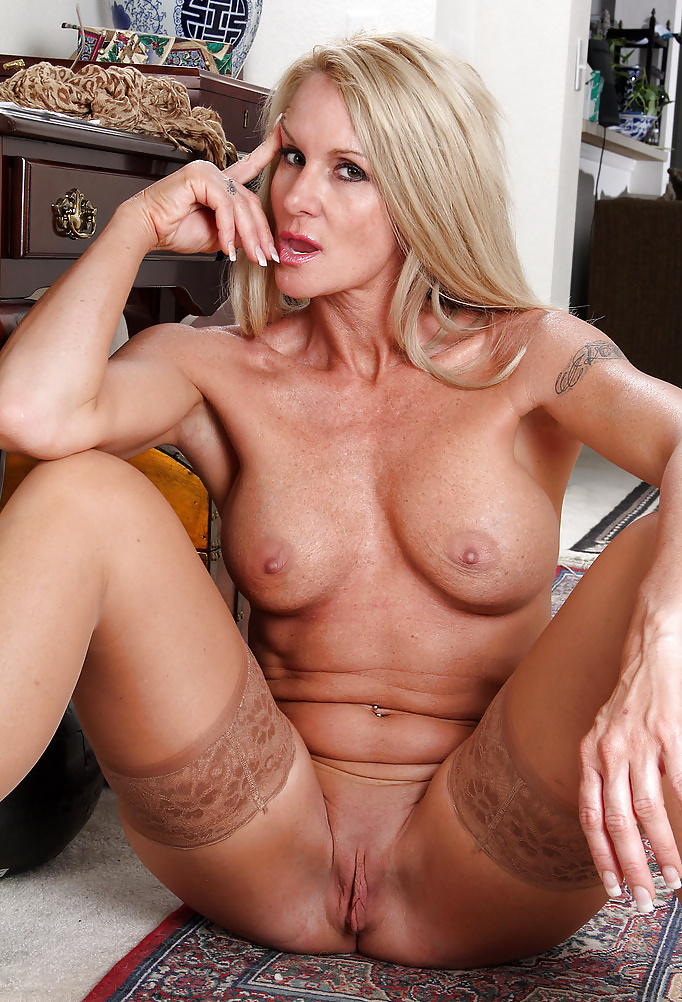 Hot blonde milf orgys — img 14