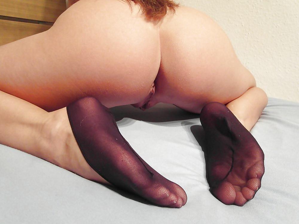 Hot Brunette Lilu Moon Has Her Feet Worshiped In Fishnet Socks Before Anal Sex