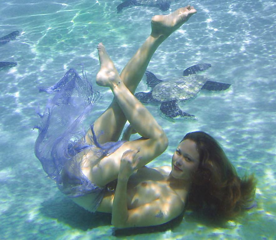 dolphin-sex-girl-nude-lezbians-masterbating