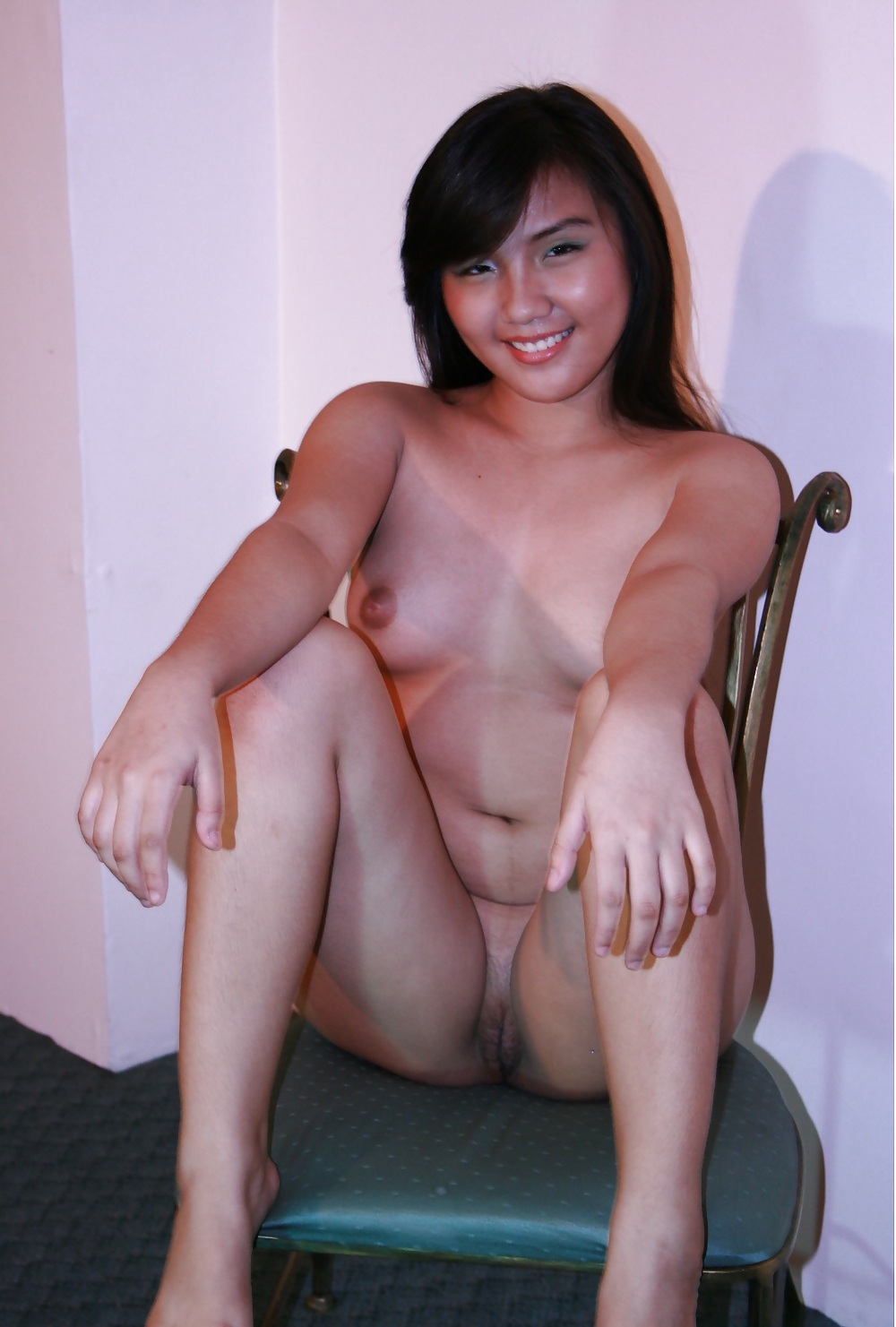 Pinay celebrity topless