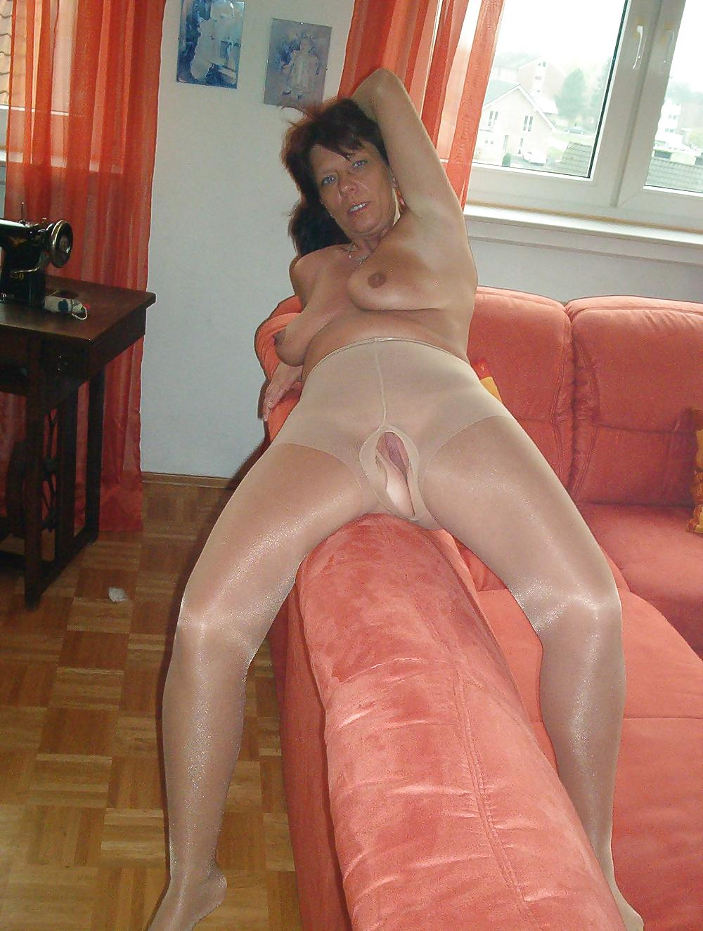 X german housewives in pantyhose tube — photo 10